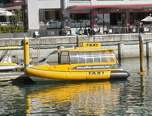 Avril 2013 - Vive le printemps ! NZ-Auckland-Taxi-Boat