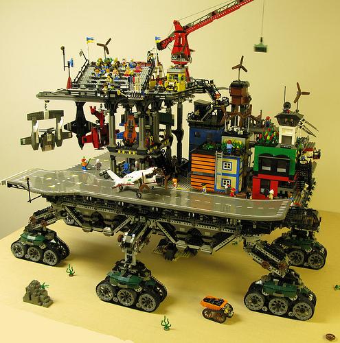 crawler town11 LEGO Crawler Town