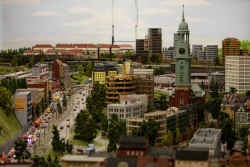 model train set g09 500x334 The Miniatur Wunderland Hamburg   The Worlds Biggest Model Train Set