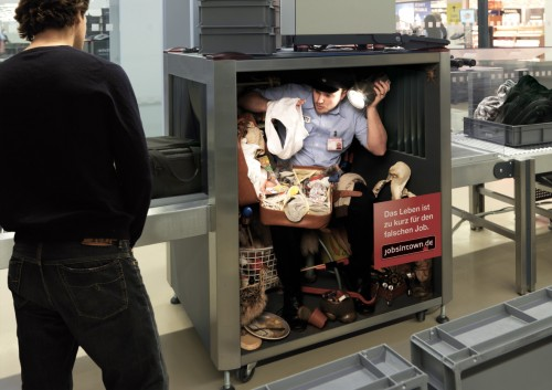 gepaeckroentgenautomat 500x353 Lifes too short for the wrong job   Cool and Creative Ads