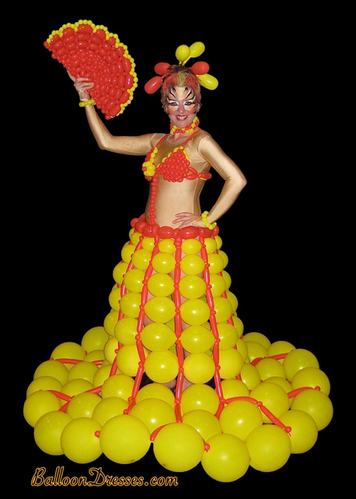 BalloonDresses04 Balloons Fashion – Balloon Dresses by JoAnn Gray