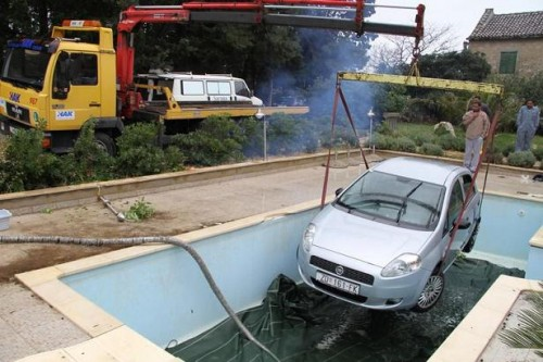 How tourists in Croatia wash their cars