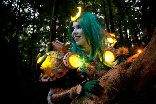 Incredible realistic WoW elf costumes during Cosplay