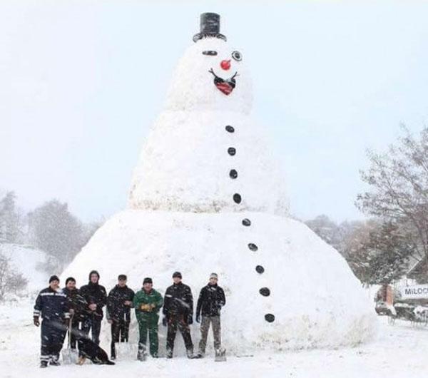 milocinek snowman06 Milocinek Largest Snowman in Poland
