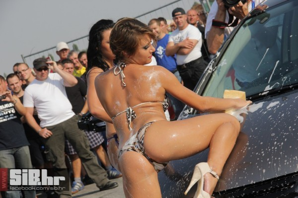 Sexy Car Wash - Sexy Girls Wash a Car