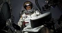 Red Bull Stratos - freefall from the edge of space