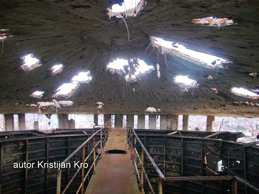 inside heavily damaged water tower in vukovar. Black Bedroom Furniture Sets. Home Design Ideas
