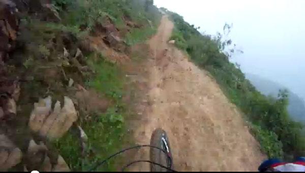 Alejandro Paz - Extreme Downhill Mountain Biker
